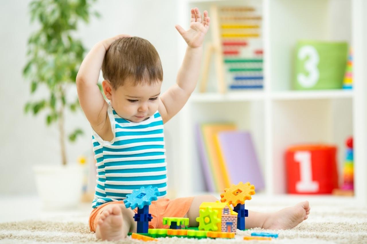 Jakie zabawki dla niemowlaka? Sensoryczne!