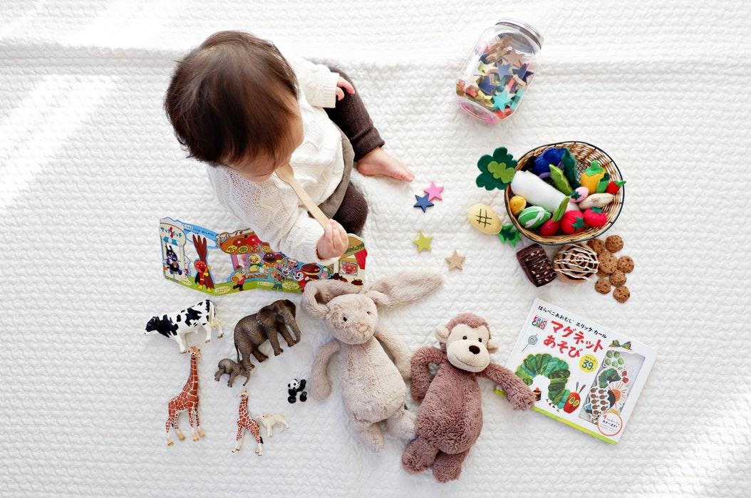 Szukasz prezentu dla trzylatka? Podrzucamy sprawdzone propozycje!
