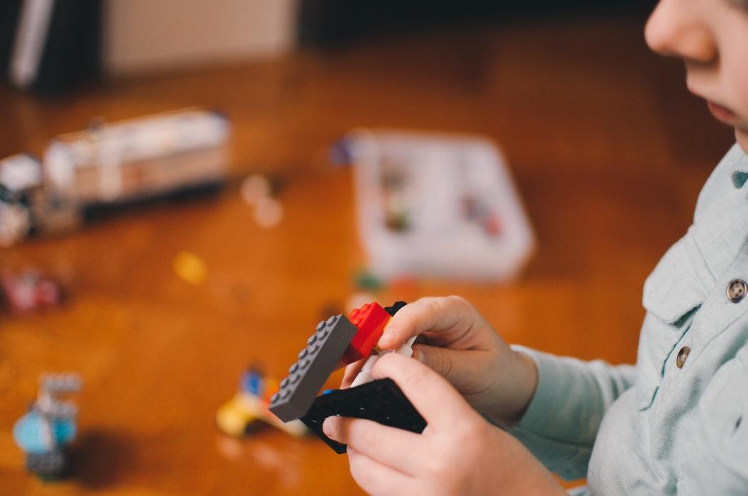 Jakie atesty muszą mieć zabawki dla dzieci?
