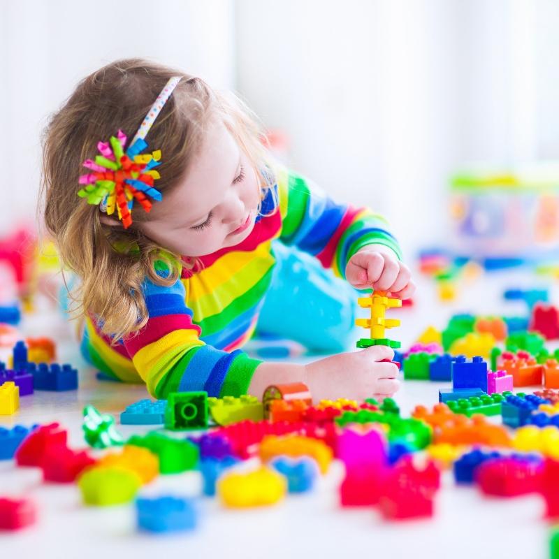 5 kreatywnych zabawek, które zajmą Twoje dziecko na długie godziny