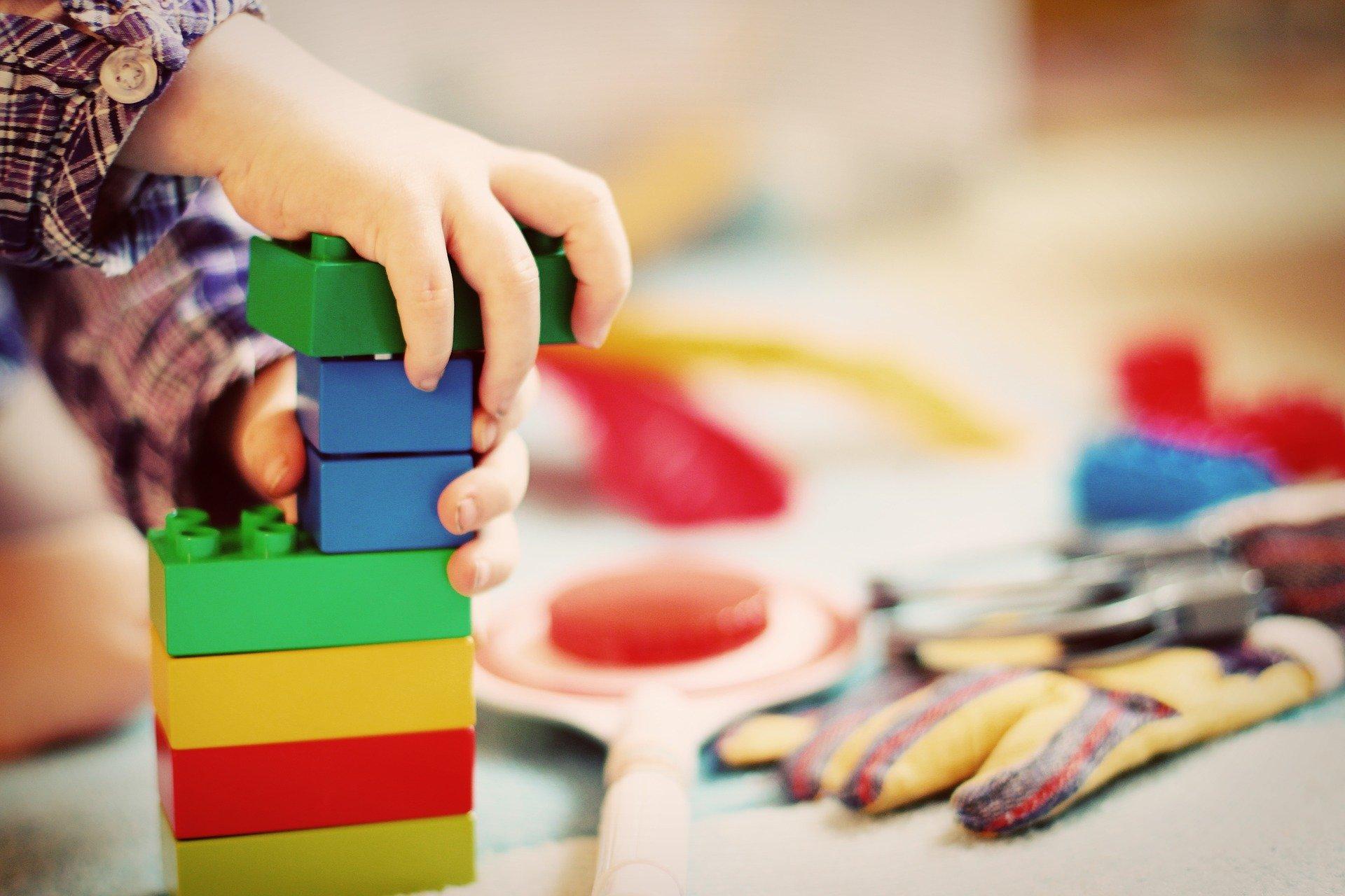 Kreatywne klocki konstrukcyjne – hit wśród zabawek!